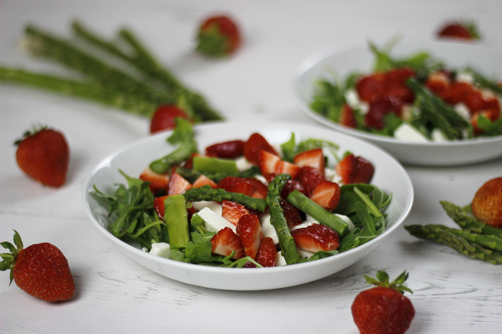 Spargel-Erdbeer-Feta-Salat mit Zitronendressing 03