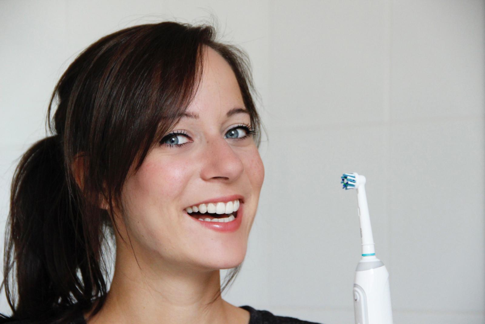 Oral-B-Genius-9000-elektrische-Zahnbuerste-Suechtig-nach-Lifestyleblog-Fashionblog-Foodblog-Oberoesterreich-Linz 01
